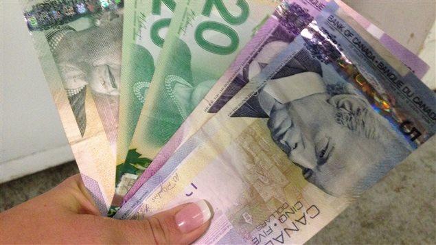 Des billets d'argent