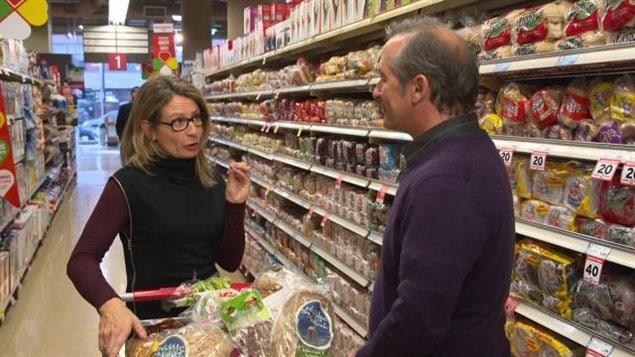 Préparez-vous à payer 4 % de plus a l'épicerie en 2016 avec un dollar canadien déprimé