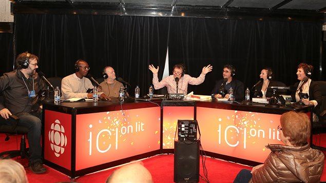 Les invités de Francis Reddy au Salon du livre de Montréal : François Lemay, William Rolle, Jean-Marie Francoeur, Jacques Orhon, Marie-Ève Bourassa et Hélène Laurendeau