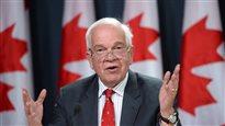 Les Canadiens ne doivent pas penser que les réfugiés syriens sont trop choyés, dit McCallum