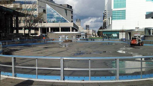 La patinoire du carré Charles Clark à Windsor dans le sud de l'Ontario...