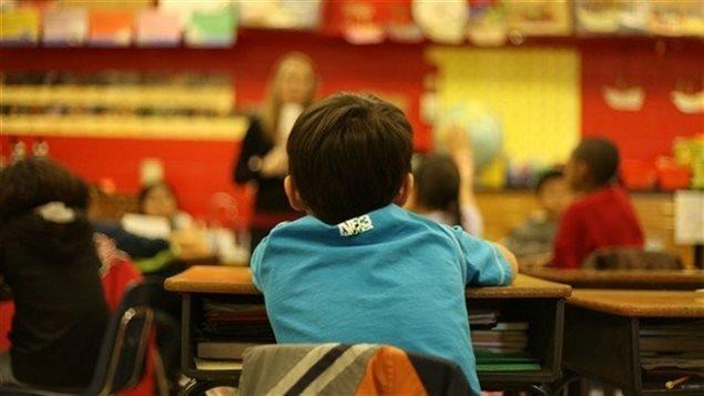 Un élève en classe