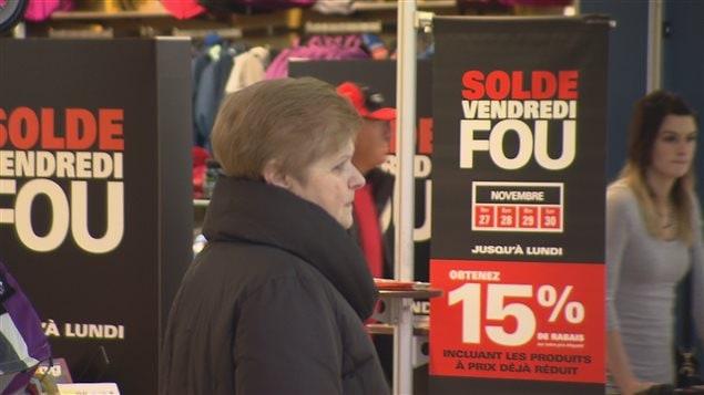 Les consommateurs étaient nombreux en cette journée de soldes.
