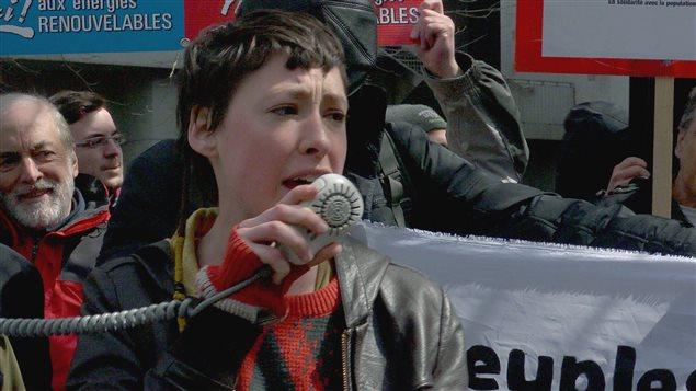 La militante Alyssa Symons-Bélanger dans une image du film Pipelines, pouvoir et démocratie