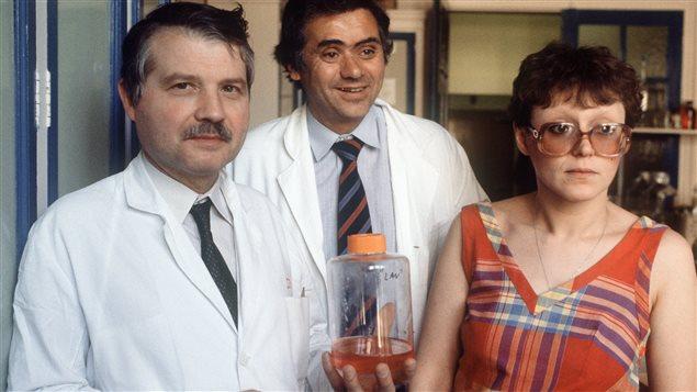 Luc Montagnier, Jean-Claude Chermann et Françoise Barre-Sinoussi, trois des scientifiques qui ont réussi à isoler le virus du sida