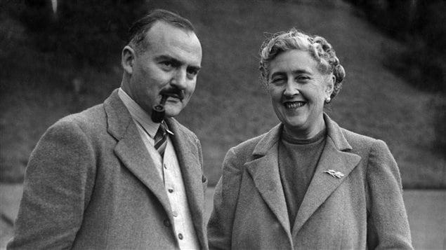 Agatha Christie en compagnie de son second mari, Max Mallowan, en mars 1946