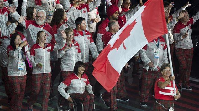 L'équipe du Canada participe aux jeux du Commonwealth tous les quatre ans depuis la toute première édition sur son sol à Hamilton en Ontario. Le pays a accueilli quatre fois ces jeux