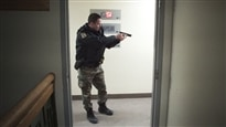 Suivez une patrouille de nuit à Laval