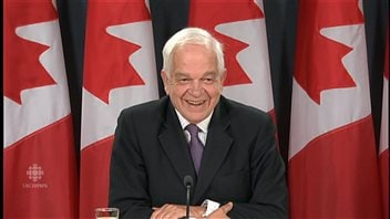 Immigration Minister John McCallum held a news conference to inform Canadians about incoming Syrian refugees and to keep the new government's promise of transparency.