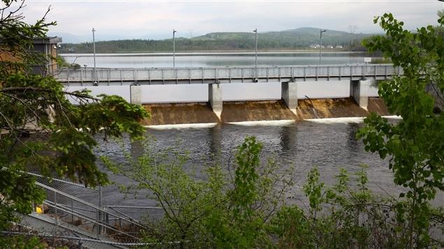 Le maire de Québec veut imposer un moratoire de 90 jours sur les projets de construction dans le bassin versant du lac Saint-Charles