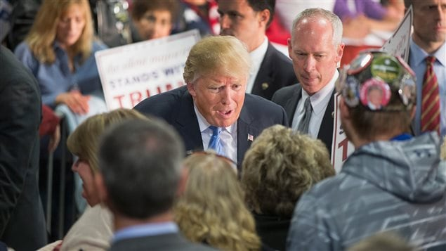 Le candidat républicain à la présidence américaine Donald Trump en pleine campagne à Davenport, en Iowa, le 5 décembre 2015.