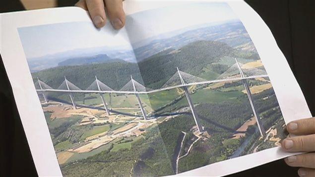 Un pont à haubans, à l'instar de celui de Millau, en France, remplacera le pont de l'île d'Orléans.