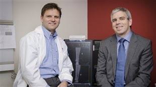 Study co-authors Dr. Rudy Reindl (left) and Dr. Edward Harvey (right), from the Orthopaedic Trauma team at the Montreal General Hospital of the MUHC