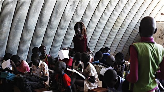 Une école aménagée dans un camp de réfugiés de Juba, au Soudan du Sud.