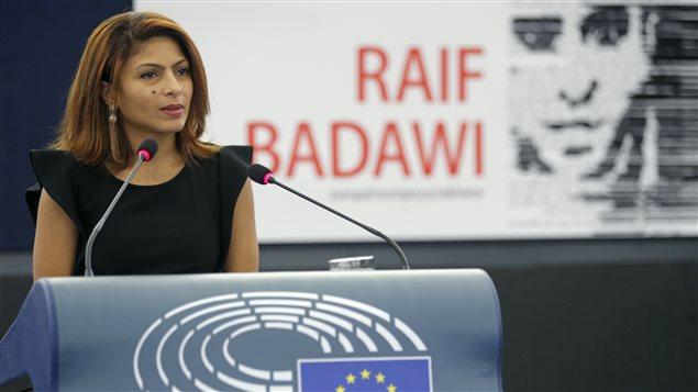 Ensaf Haidar au Parlement européen pour recevoir au nom de Raif Badawi le Prix Sakharov.