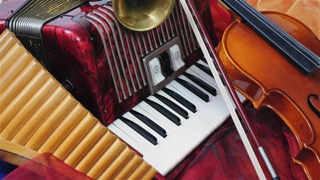 Des instruments de musique traditionnelle.