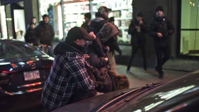 Des policiers en civils se seraient glissés parmi les manifestants.