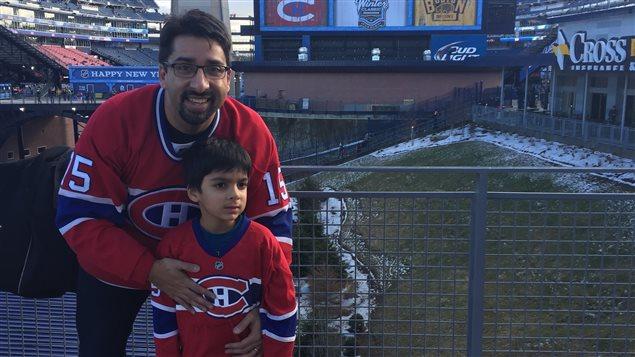 Sulemaan Ahmed et son fils Syed, qui se trouve sur la liste de surveillance d'Air Canada à six ans.