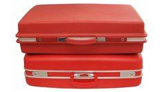 La saga des valises rouges a suscité étonnement et scepticisme au Québec.
