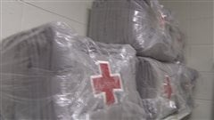 Des couvertures de la Croix-Rouge