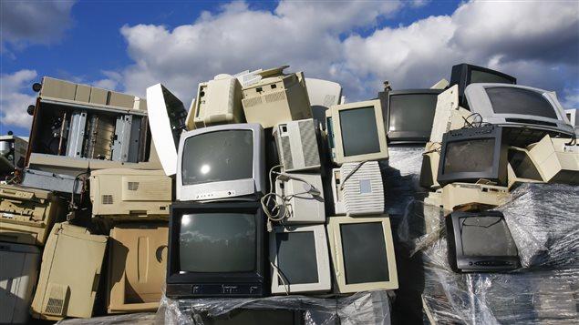 Nos appareils électroniques, qui prennent souvent le chemin du dépotoir, sont pourtant construits à partir d'une série de composantes recyclables.