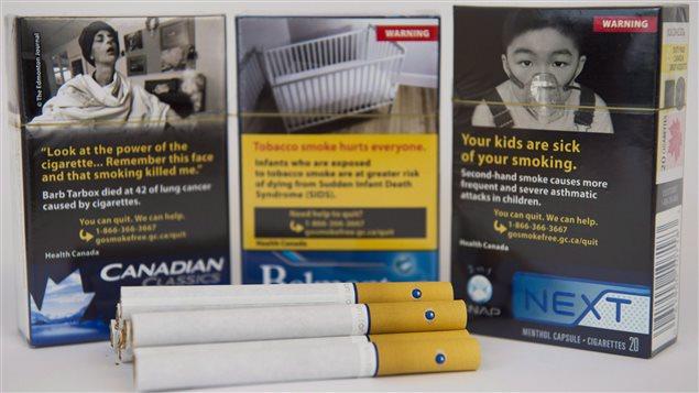 paquets de cigarettes canadiens bient t aux couleurs ternes de l australie. Black Bedroom Furniture Sets. Home Design Ideas