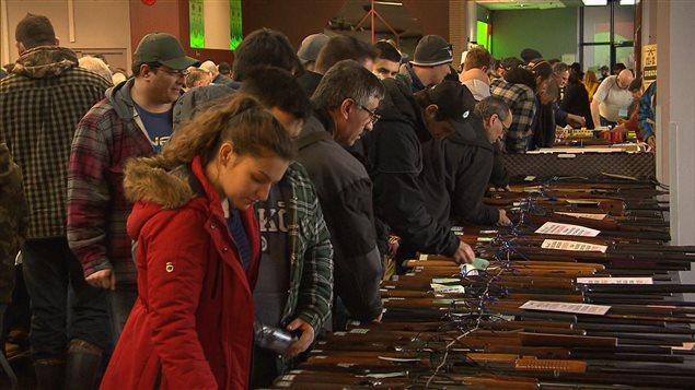 les opposants au registre qu b cois des armes feu s