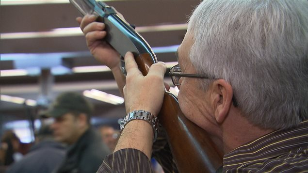 Plusieurs chasseurs de l 39 abitibi t miscamingue signent la for Salon des armes a feu