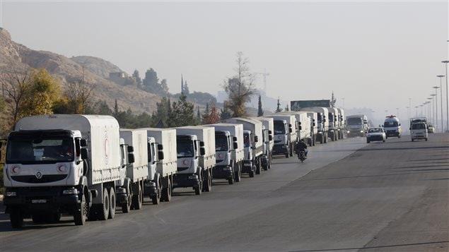 De l'aide humanitaire est acheminée jusqu'à Madaya, en Syrie.