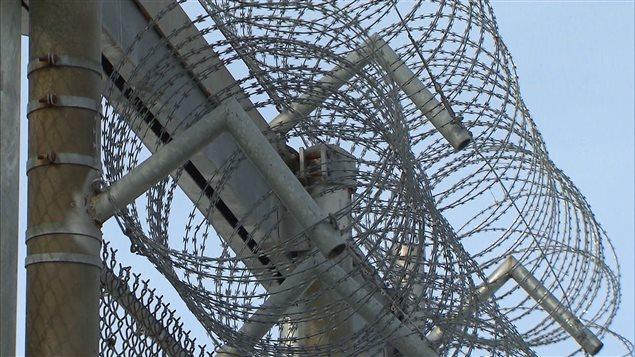 Surreprésentation des autochtones dans les prisons au Canada : ils représentent plus du quart de la population des prisons fédérales.