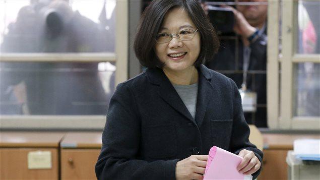 Tsaï Ing-wen, à la tête du Parti démocratique progressiste (DPP), est la favorite.