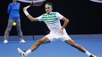 Tennis great Roger Federer wants the names of any player who threw a match made public. Otherwise honest players like him are tarred with the same brush.