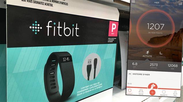 Bracelet capteur d'activités physiques et l'affichage sur téléphone intelligent
