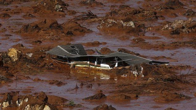 El colapso de la presa de la minera Samarco es considerado como el peor desastre ambiental en la historia de Brasil.