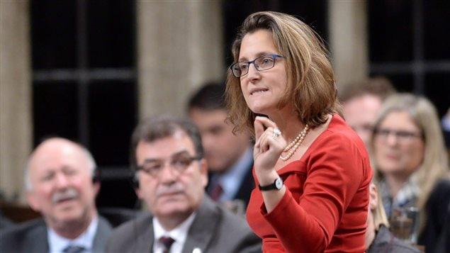 加拿大国际贸易部部长佛雷兰德在发言。