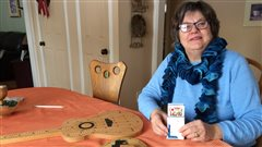 Monique Denis participera aux Jeux des 50 ans et plus dans l'épreuve de cribbage et de danse.