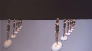 Exposition de différents silhouettes virtuelles.