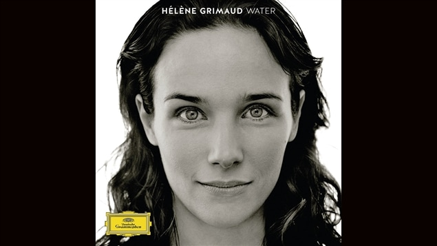 Pochette de l'album <i>Water</i> d'Hélène Grimaud, paru sous étiquette Deutsche Grammophon