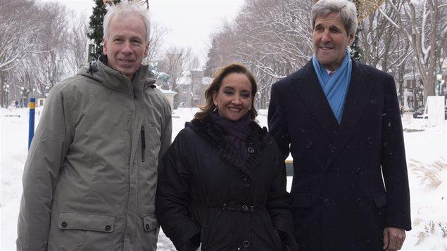 Rencontre entre le ministre des Affaires étrangères, Stéphane Dion, la sécretaire des relations extérieures au Mexique, Claudia Ruiz Massieu et le secrétaire d'état américain, John Kerry à Québec le 29 janvier 2016