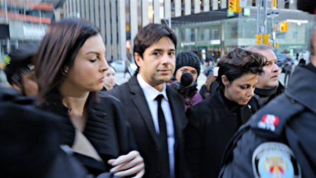 Jian Gomeshi à son arrivée ce matin au palais de justice de Toronto.