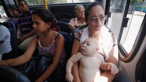 David Henrique Ferreira, 5 mois est né dans la ville de Recife au Brésil. (Photo by Mario Tama/Getty Images)