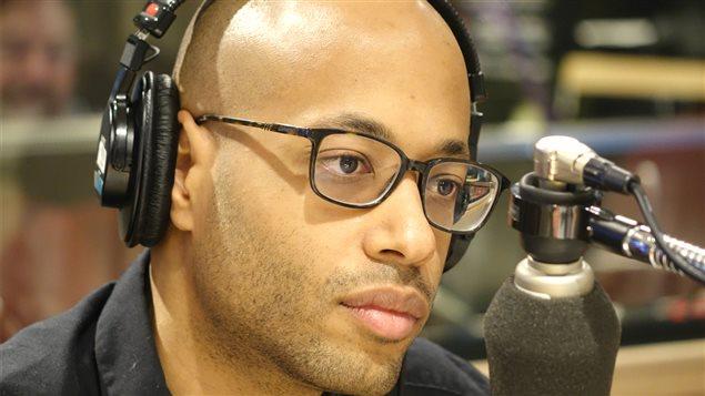 Le rappeur Webster dans le studio de <i>Gravel le matin</i>