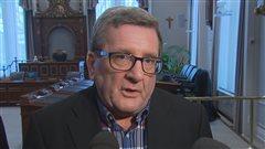 Des conseillers municipaux de Lac-Beauport dénoncent l'attitude de Régis Labeaume