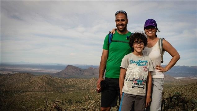 La famille Roldan-Lauzon au Parc national de Saguaro, en Arizona