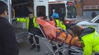 Deux morts et deux personnes entre la vie et la mort après un incendie dans l'est de Toronto