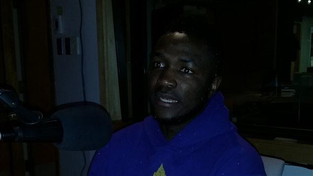 L'auteur-compositeur-interprete Tresor Namwira