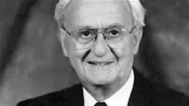 Maurice LeBlanc, souriant