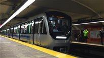 Le premier train AZUR du métro en service