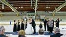 Romance et patinoire : un couple s'unit sur la glace