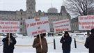 Les chauffeurs de taxi manifestent leur opposition à UberX à Québec